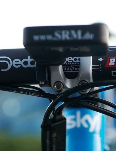 Deda Zero 100 bars and matching Deda stem in aluminium for durability.