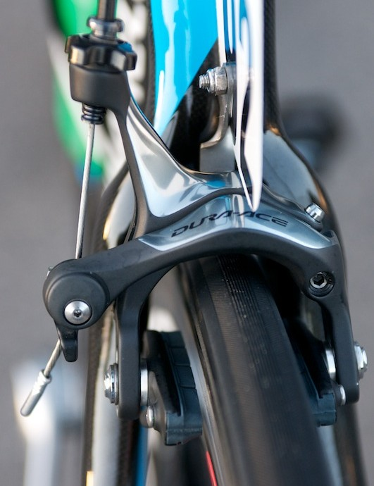 Rear Dura Ace calliper fitted with prototype Shimano carbon specific pads.
