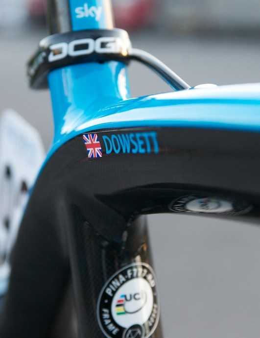 Dowsett's name on his UCI certified frame. Carbon effect alloy seatpost clamp.