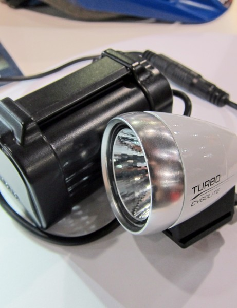 The new Cygolite TurboJet series omits the programmable light settings for a simpler, lighter, and cheaper option