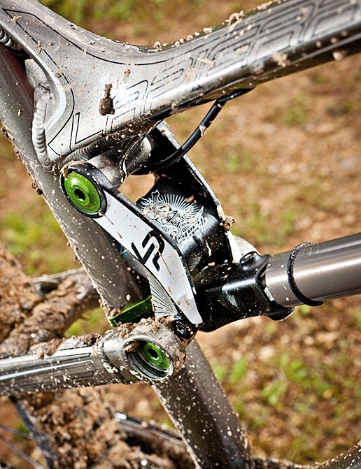 A new link and push rod improves the suspension performance