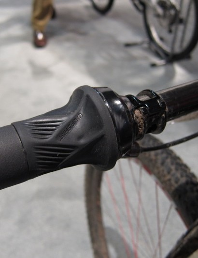 The light reasonably light actuation of the shifter negates the need for an overly aggressive grip