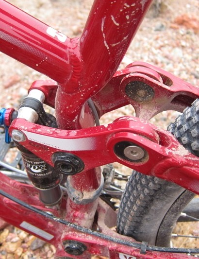 The seat tube is formed to allow for tire clearance
