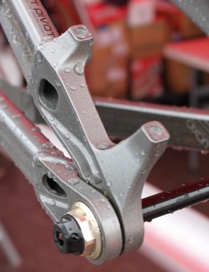 Dixon's new direct (160mm) post mount rear brake mount