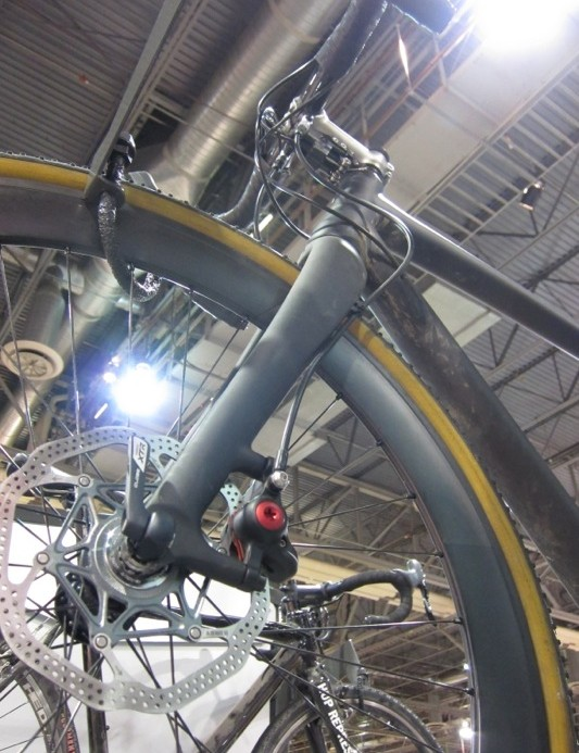 The full carbon fork accepts a 160mm brake rotor
