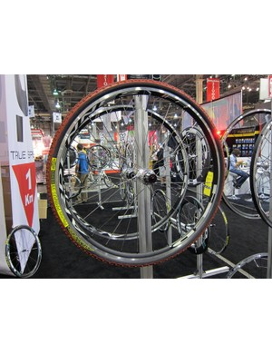 HED showed off new disc-compatible versions of its Ardennes and Stinger wheels for 2012.