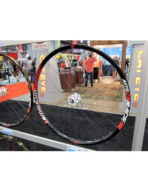 American Classic unveiled new tubeless-compatible MTB Race wheels at this year's Interbike show in both 26
