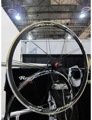 The Rolf Prima ECX is a relatively inexpensive 'cross-specific wheelset complete with alloy tubular rims.