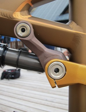 The aluminum Occam gets an alloy D-Link, too