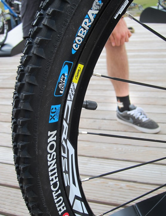 Hutchinson is providing their new Cobra tubeless-ready tire to Orbea before it's available to the public