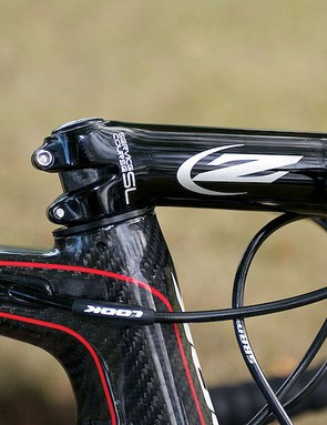 The 695's top tube kink, Look rubber frame protectors and Camano's -17 degree Zipp stem
