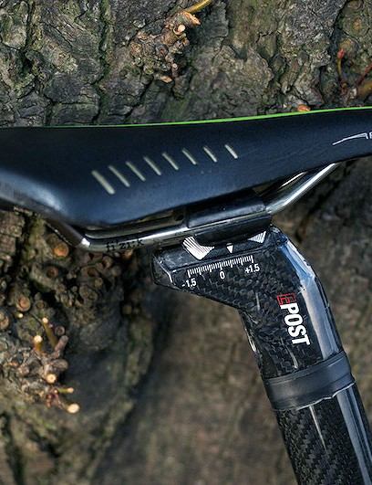 Look E-Post with black rubber insert and Team issue Fizik Arione saddle
