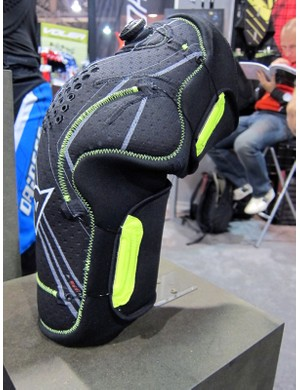 Dainese's new top-end Oak Pro pads use Boa reel-and-cable technology for a lower profile and more uniform fit. The flagship aluminum hard shell version will run a whopping US$199 per pair, though