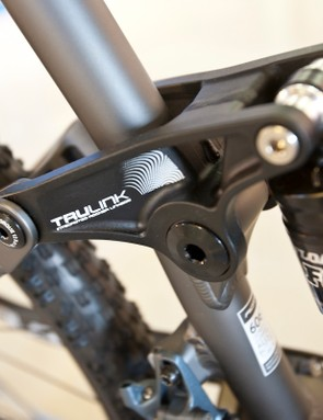 Fox's Float RP2 controls the rear end travel on the Vapour 29.2