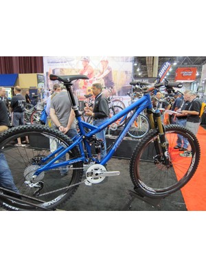 The Turner Sultan 29er gets a new thru-axle rear end, updated cable guides, and ISCG tabs for 2012.