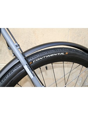 Continental Cyclocross Speed tyres, with mud guards, on the Mares AX4