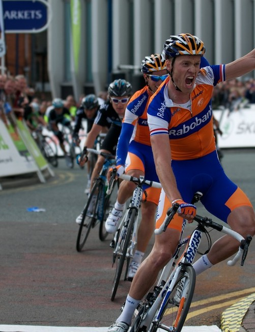 Lars Boom wins stage 3 to take over the lead in Stoke on Trent