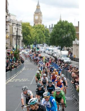 Stage 8b: The peloton riding through Whitehall