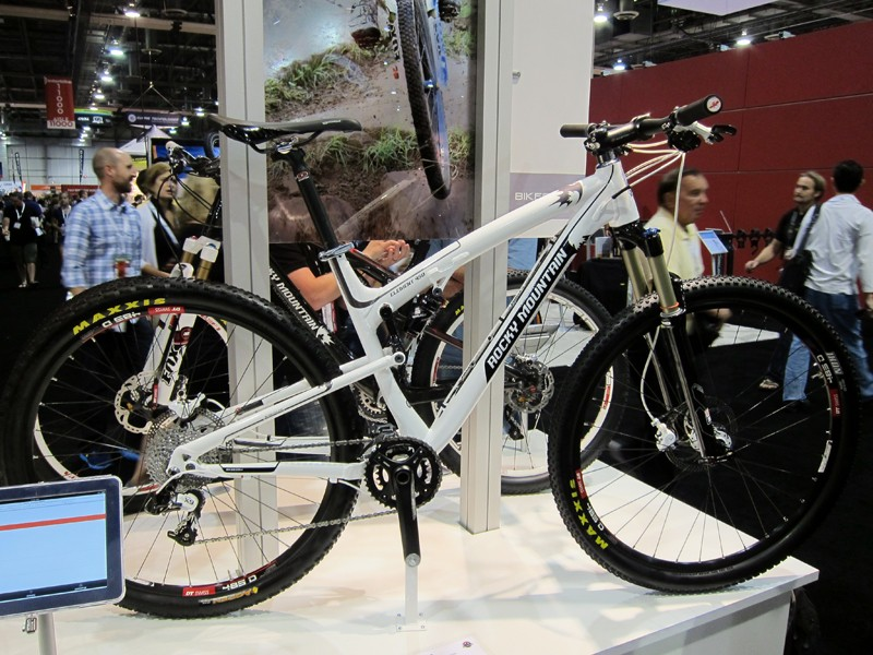 Rocky Mountain's new Element 950 full-suspension 29er features nimbler handling for 2012.