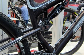 The hydroformed seat tube on the new Rocky Mountain Element frames leave room for the chain stay-mounted front derailleur.