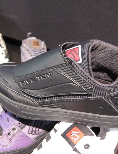 The new Raven costs $129 and offers many of the Cool Hwip's features including the Raptor tongue and 3/4 asymmetric ankle