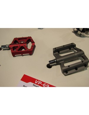 VP's 69 (r, for sticky shoes) and VP-001 (l, all rounder) pedals