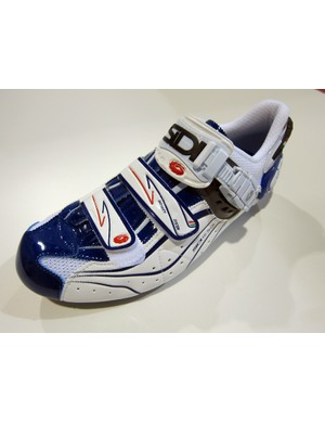 Hallelujah! Sidi's Genius 6.6 Mega shoes are finally available in the US in a more fetching white-and-blue color scheme