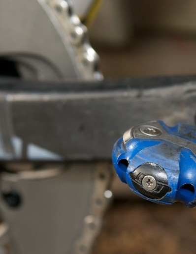 The whole team use blue Speedplay pedals