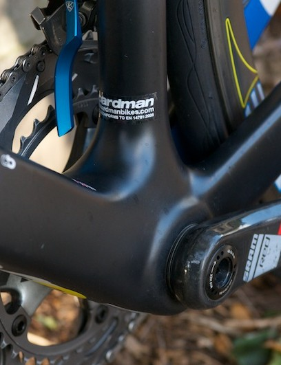 The beefy bottom bracket cluster makes the most of the BB30 unit
