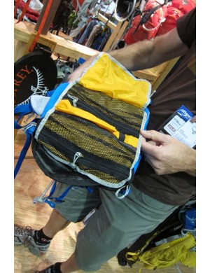 The Zealot 16 pack comes with a tool roll