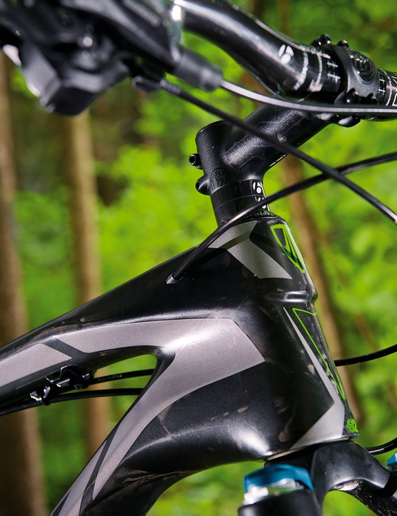 The E2 tapered head tube helps imbue the 9.8 with  a 'can do' attitude