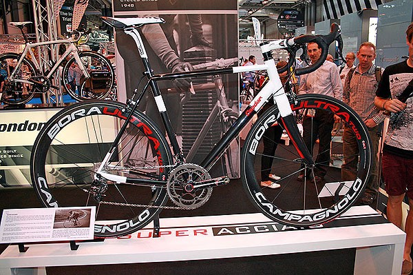 Condor's Super Acciaio was built using experience gained from their Leggero carbon race bike