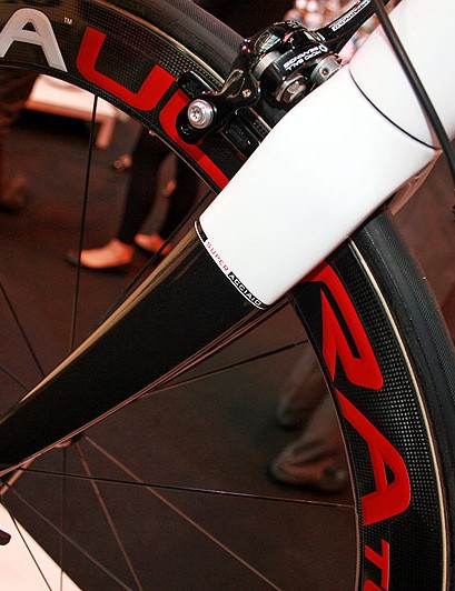 Steel doesn't make it into the carbon fork on the Super Acciaio