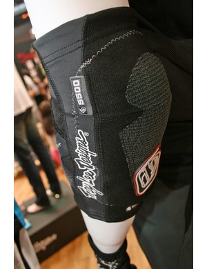 The 5000 series pads are also available in knee, elbow and arm versions
