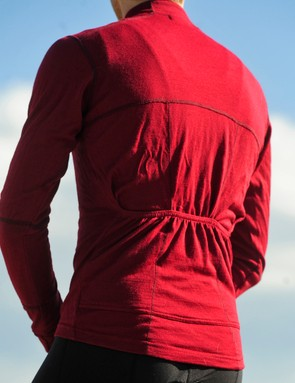 The back of the TRAD wool jersey uses a similar multi-panel design to fit well