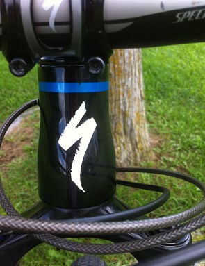 A tapered head tube with the Specialized S