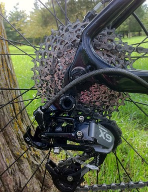 Out back there's a SRAM X9 long-cage rear derailleur and 11-36T cassette