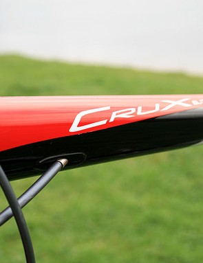 The Specialized CruX Elite has integrated cabling on both top and down tubes