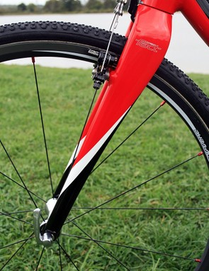 Specialized's own carbon fork means it's not all alloy with the CruX Elite