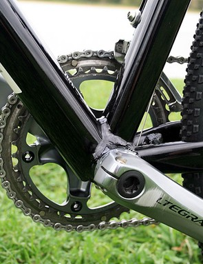The CruX Elite has a Shimano Dura-Ace 7900 bottom bracket