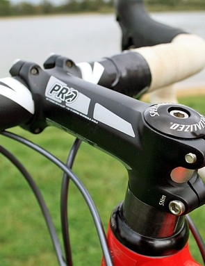 An alloy PRO PLT 110cm stem on the CruX Elite