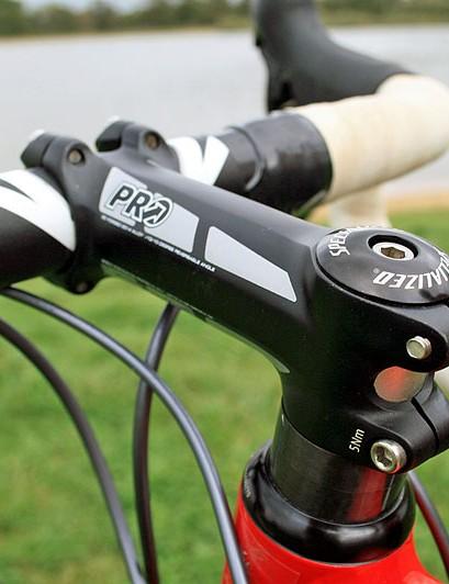 An alloy PRO PLT 110cm stem on the CruX Elite
