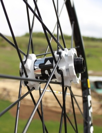 The ST front hub is 9mm quick-release, 15mm and 20mm through-axle compatible