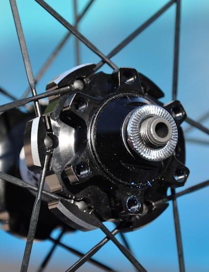 SRAM RISE 40 rear hub