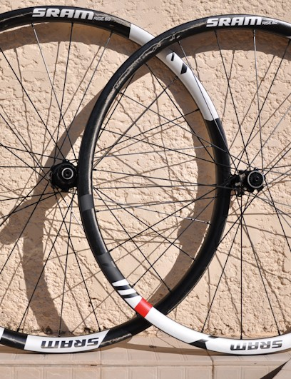 SRAM RISE 60 wheelset