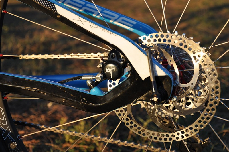 The XR Team relies on carbon flex at the dropouts rather than a rear pivot point