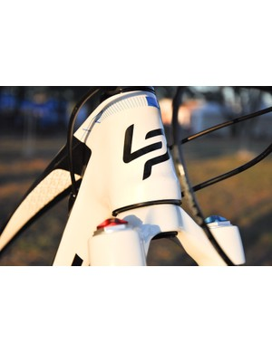 In order to keep handlebar height from getting too tall, the XR's head tube is a relatively short 90mm