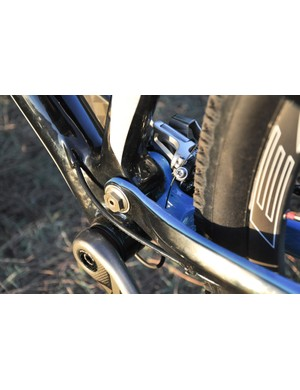 The XR's front derailleur routing uses the chainstay bridge as a cable stop