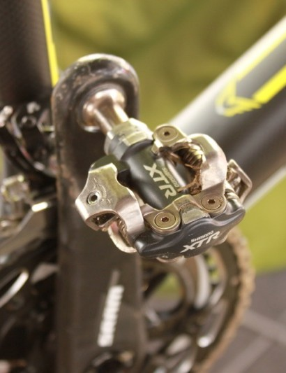 Trebon continues to ride Shimano's older M970 XTR pedals for their better mud performance when compared to the new M980 Race model