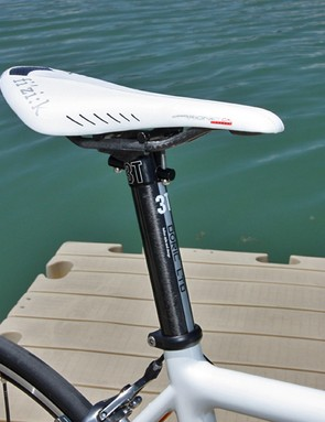 The Fi'zi:k Arione CX Carbon Braided saddle and 3T Doric LTD combination is ultralight but the Doric's primitive head design was frustrating to operate